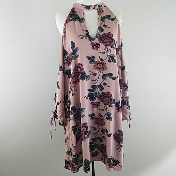 American Eagle Outfitters Dresses & Skirts - AEO cold shoulder floral dress open sleeves boho